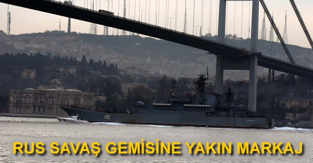 Rus savaş gemisi 'Novocherkassk' İstanbul Boğazı'ndan geçti