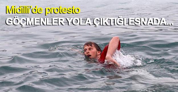Göçmenler yola çıktığı esnada aktivistlerden protesto