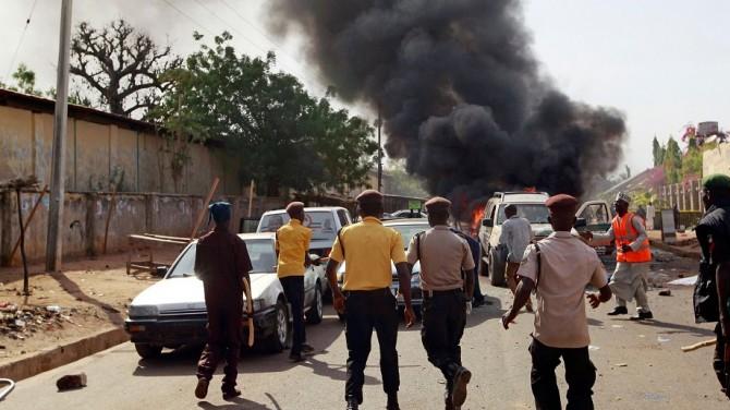 Yemen'de Mukalla Limanı'nda donanma üssüne saldırı