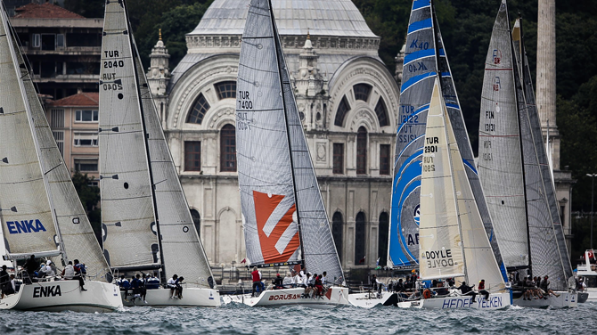 Yüzlerce tekne İstanbul Boğazı'nda kapışacak