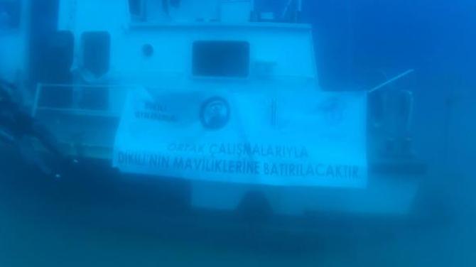 Dikili'de batırılan sahil güvenlik botuna ilk dalış yapıldı