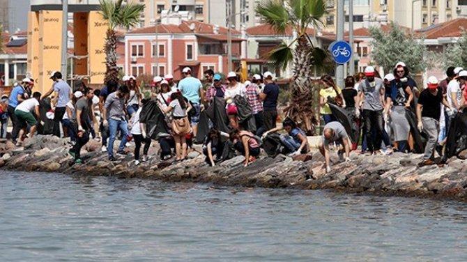 Clean Up The Med kampanyası İzmir'de