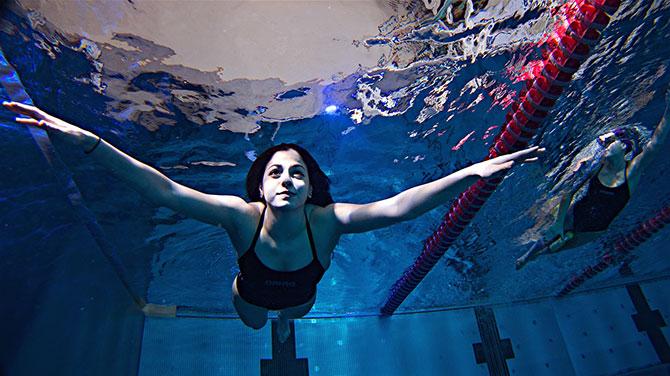 Yüzerek Yunanistan'a ulaşan Yusra Mardini Rio Olimpiyatları'nda yarışacak