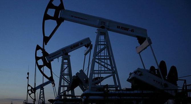 Dolar yükseldi, petrol yine düştü