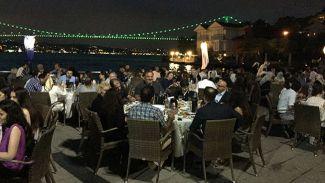 Dentur Avrasya iftar yemeğinde sektör temsilcilerini ağırladı