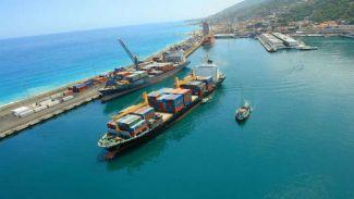 Venezulla'da 5 limanın kontrolü askerlere devredildi
