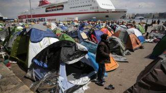 Sığınmacılar Pire Limanı'nı boşalttı