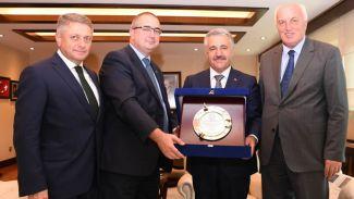 Türk Loydu'ndan Bakan Arslan'a ziyaret