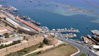 Magusa Limanı'nda çok sayıda kaçak silah ele geçirildi