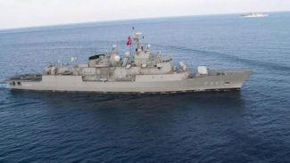 Rum gemisine Türk fırkateyni engeli
