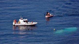 Ege'de mülteci teknesi sürüklendi