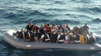 113 göçmen taşıyan üç bot yakalandı