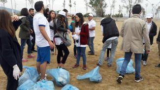 Barbaros Denizcilik Kulübü'nün üyeleri kıyı temizliği etkinliğinde buluştu