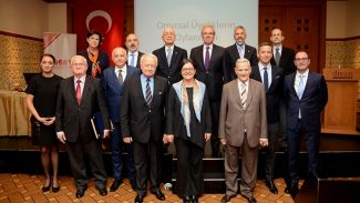TÜSEV'in toplantısından Deniz Ataç başkan çıktı