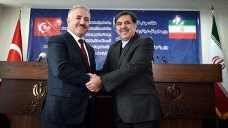 Bakan Arslan, Tahran`da Bakan Abbas Ahundi ile görüştü