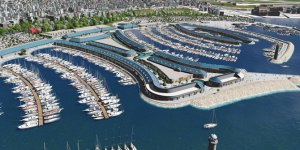 Viaport Marina'da yelkenler fora
