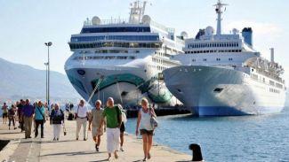 Kruvaziyerler en çok Kuşadası Limanı'na demirledi