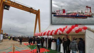 """Türkiye'nin en büyük tarama gemisi """"Kanuni"""" denizle buluştu"""