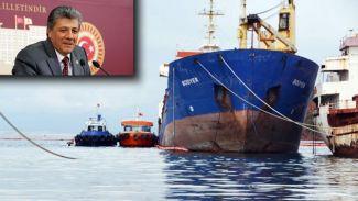 """Mustafa Balbay, petrol sızdıran """"M/V Bodyer""""i TBMM'ne taşıdı"""
