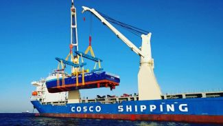 Özata Tersanesi, iki platform destek gemisini teslim etti