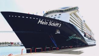 Sezonun ilk kruvaziyer gemisi Port Akdeniz'de