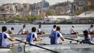 """Genç sporcular """"6. Haliç Dostluk Kupası"""" için yarıştı"""