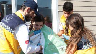 Üsküdar'da denize düşen genç kız kurtarıldı