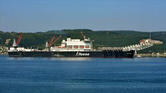 """""""Pioneering Spirit"""" gemisi için Çanakkale Boğazı trafiğe kapatıldı!"""