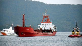 Açılan ateş sonrası M/V Act gemisi Marmaris'e getirildi