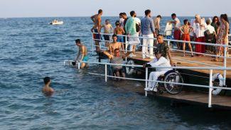 """Antalya'da """"Engelsiz Plaj"""" açıldı"""