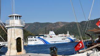 T/S Samsun gemisi Marmaris'e yanaştı