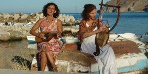 Teos Marina'da Yunanlı iki sanatçıdan helis ezgileri