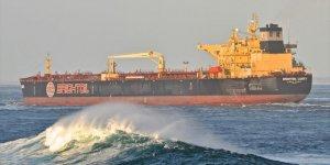 Petrol tankeri ile balıkçı gemisi çarpıştı