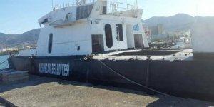 KKTC'de bir ilk! Hurda gemi denize batırıldı