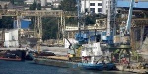 Kısıtlamalara rağmen gemiler Kırım'dan yük taşıyor