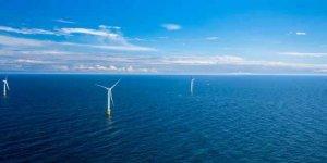 İlk yüzer rüzgar santrali enerji üretimine başladı