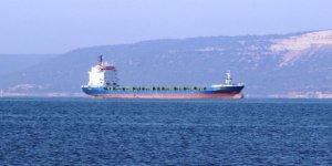 Çanakkale Boğazı'nda arızalanan gemi demir attı