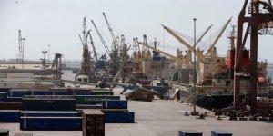 Yemende gemilerin 2 limanı terk etmesi istendi