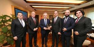 GMO yönetimi Bakan Ahmet Arslan'ı ziyaret etti