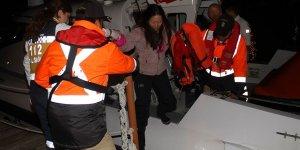 Göcek'te kayalıklara çarpan yat battı, 4 kişi kurtarıldı