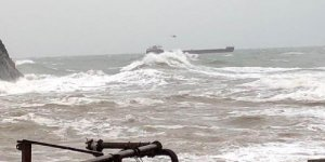 Karadeniz'de sürüklenen gemideki mürettebat kurtarıldı