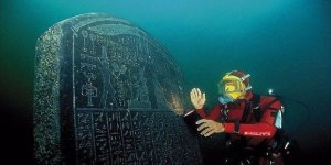 İskenderiye'de 2 bin yıllık gemi enkazı bulundu