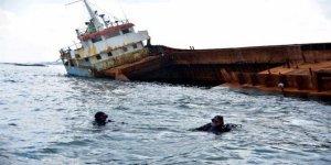 Karasu'yu tehdit eden gemi kaldırılıyor