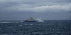 Fırtınaya yakalanan deniz otobüsü geri döndü