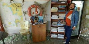 Didim'de kafede denizcilik kütüphanesi açıldı