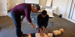 Çeşme Marina çalışanlarına ilk yardım eğitimi