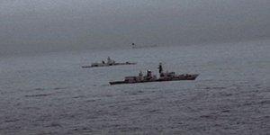 Helikopterler Rus savaş gemisi için havalandı