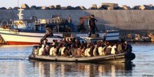 Akdeniz'de bir gecede 250 göçmen kurtarıldı