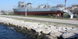 Yarhisar Müze Gemisi kışında boş kalmıyor
