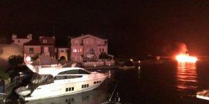 Yangın Alaçatı Marina'da çıkmadı